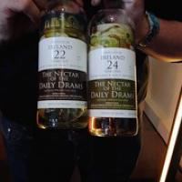 """Een 22 jaar en 24 jaar oude Ierse Single Mailt Whiskey • <a style=""""font-size:0.8em;"""" href=""""http://www.flickr.com/photos/21531446@N05/15302791678/"""" target=""""_blank"""">View on Flickr</a>"""