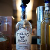 "Mijn ontdekking van de avond Teeling Single Grain Irish Whisky • <a style=""font-size:0.8em;"" href=""http://www.flickr.com/photos/21531446@N05/14245122534/"" target=""_blank"">View on Flickr</a>"