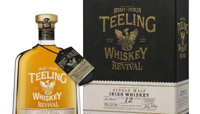 Teeling Whiskey toont de laatste release uit The Revival Single Malt.
